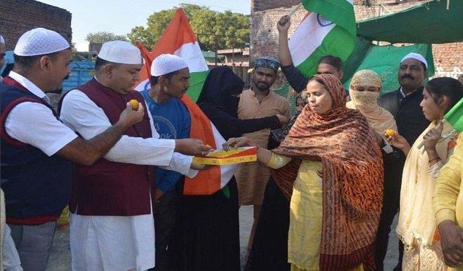 जम्मू-कश्मीर का विशेष दर्जा समाप्त किए जाने का एक साल पूरा होने पर घाटी में भाजपा ने मनाया जश्न